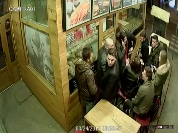 Agresor v chorvatském baru