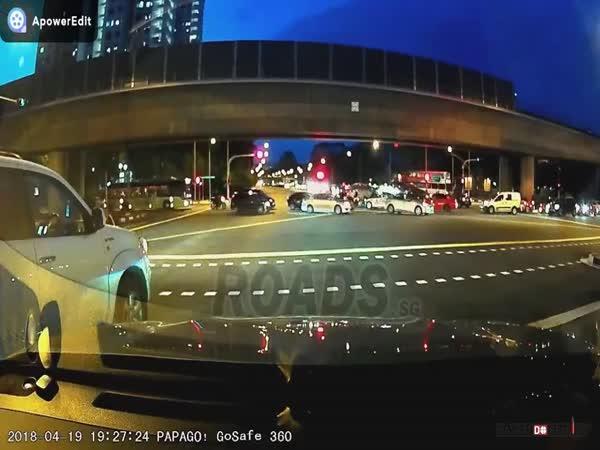 Dopravní nehoda #613