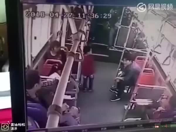 Zatočení s malým nezbedou v Číně