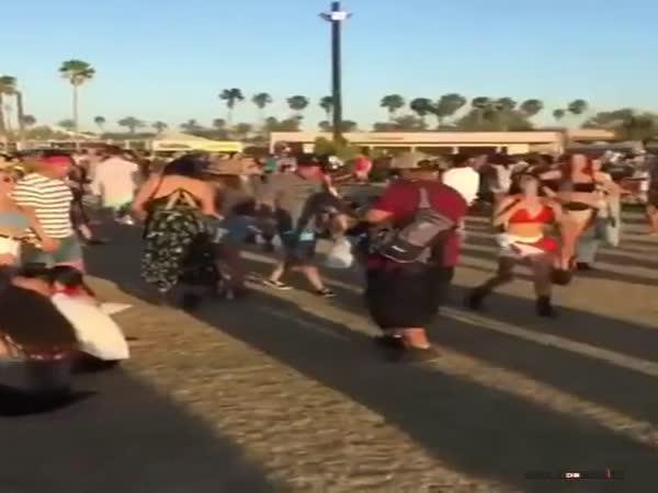 Mobilmánie na hudebním festivalu