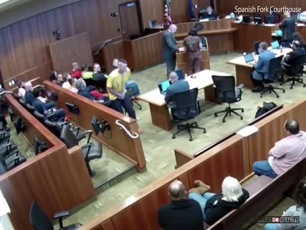 Nepovedený útěk od soudu v USA