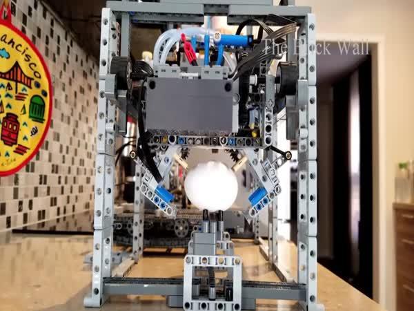 Kuchyňský robot z LEGO stavebnice