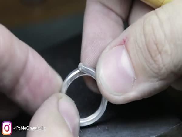 Výroba diamantového zásnubního prstenu