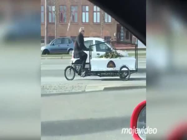 Mezitím v Kodani
