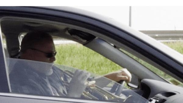 GALERIE - Za volantem najdete leckoho