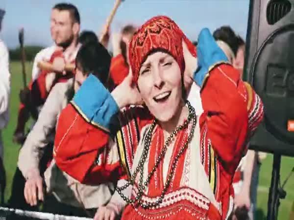 Ruský folk jde s dobou