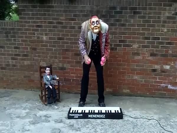 Nejrychlejší piano žonglér na světě