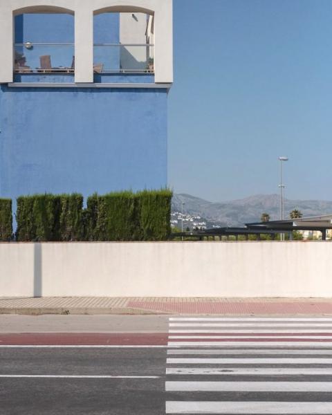 GALERIE – Fotky, které vtipně využily svého okolí