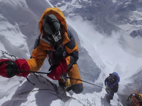 Poslední metry výstupu na Everest