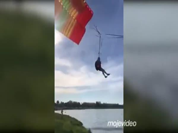Chytil ho nepříznivý vítr