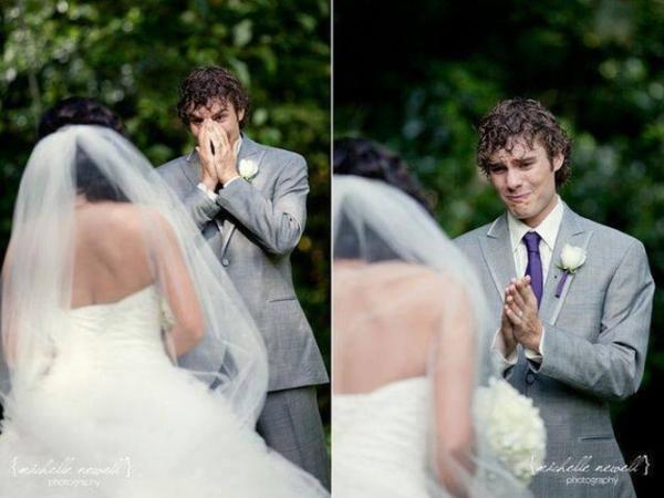 GALERIE - Reakce ženichů na oblečenou nevěstu