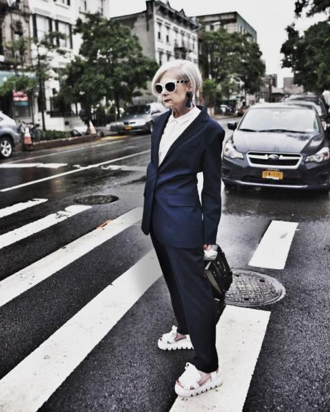 GALERIE - Stařenka se stala módní ikonou