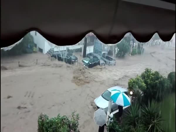 Řecké záplavy