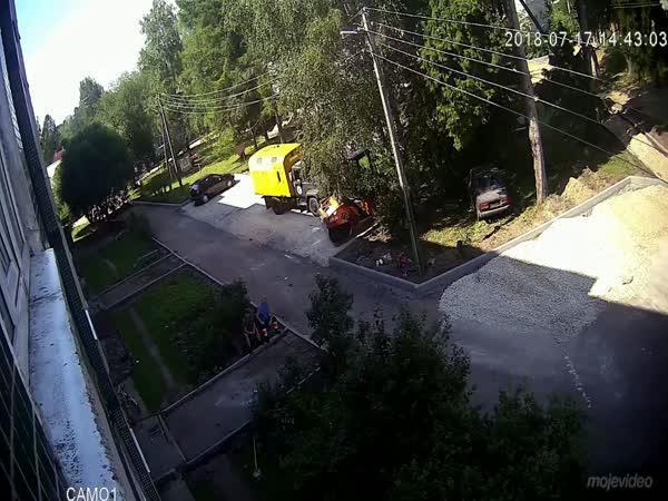 Něco visí z okna (Rusko)