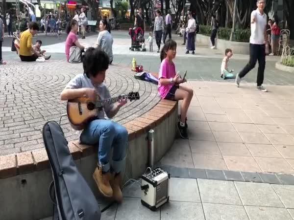 Ukulele virtuóz z Taiwanu