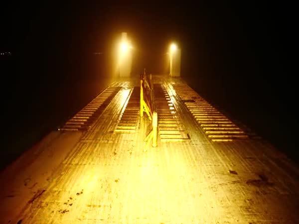 Přeprava 18 říčních lodí