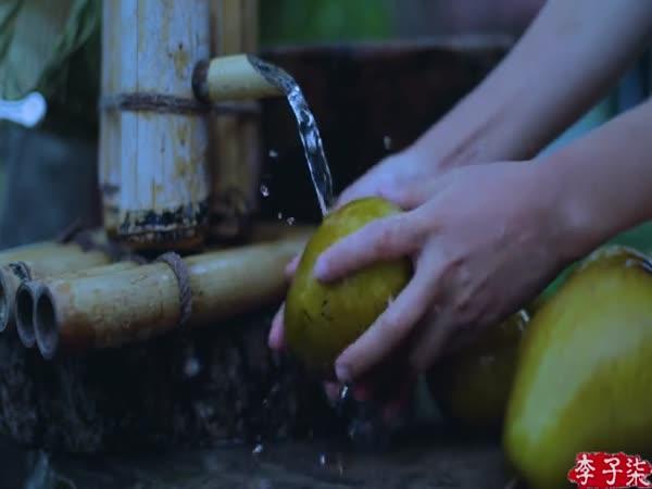 Tradiční výroba sirupu z hrušek Nashi (Čína)