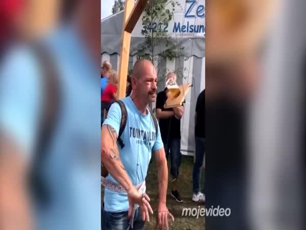 Přístroj na pivní Torture