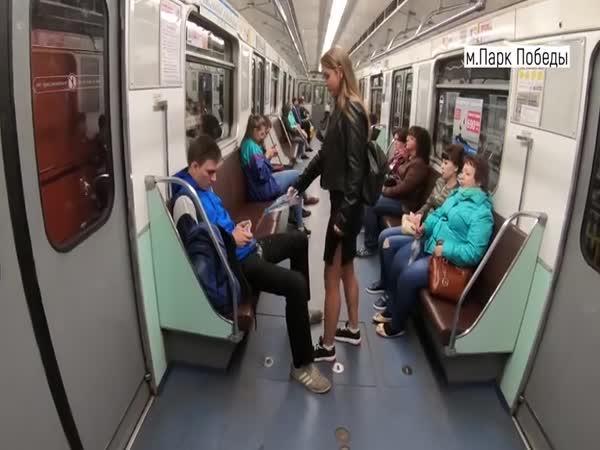Ruské feministky vs. mužský rozkrok