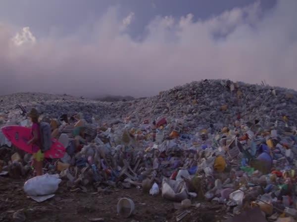 Hrůzný ostrov odpadů
