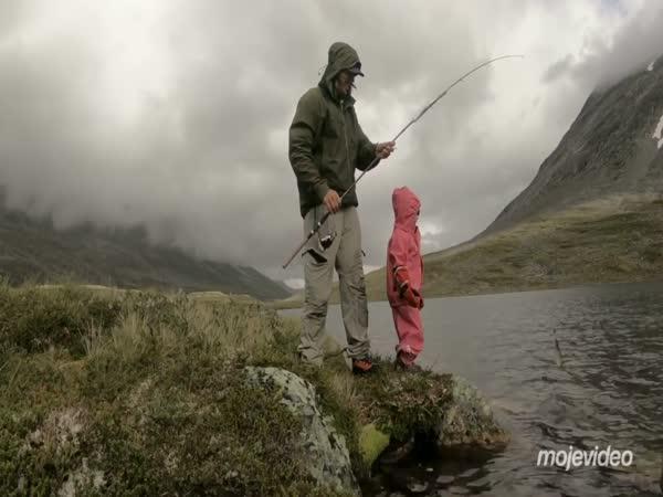 Otec a dcera na dobrodružném výletě