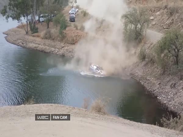 Jezdci Rallye musí umět plavat!