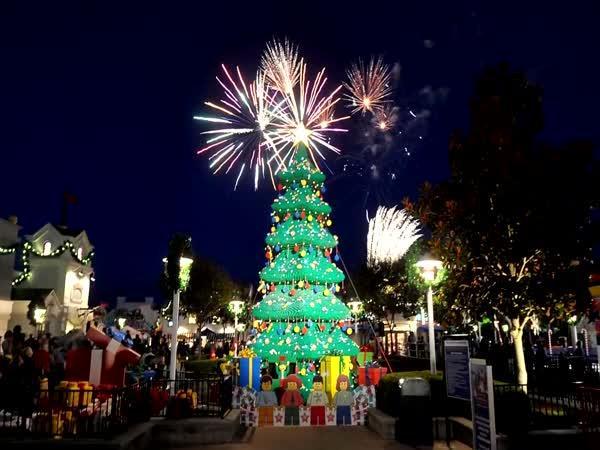 TOP 5 – Nejdivnější vánoční stromečky