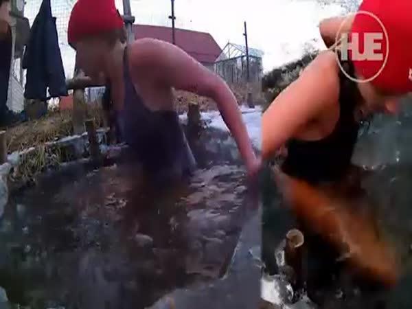 Rusko - V ledové vodě hodinu
