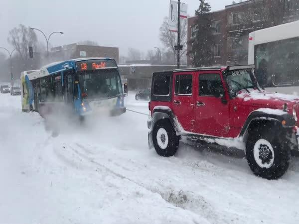 3 řidiči a zapadlý autobusák