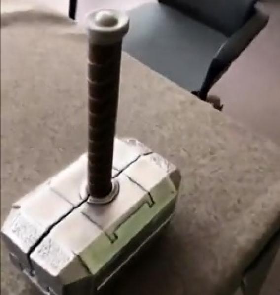 Thorovo kladivo pro kutily