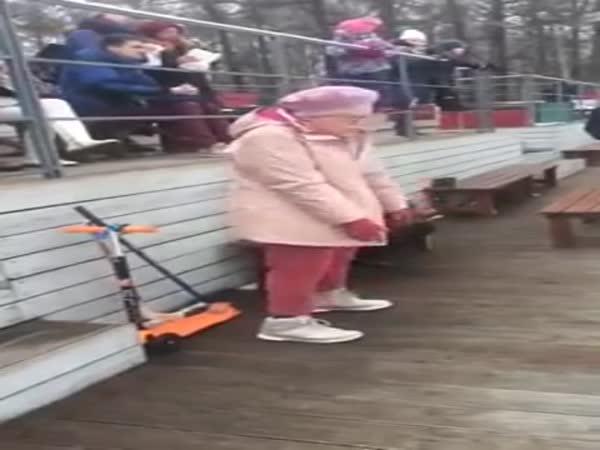 Bábinka to umí pěkně rozjet!