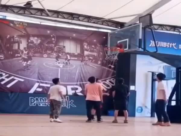 Dnes se hrát basket nebude!