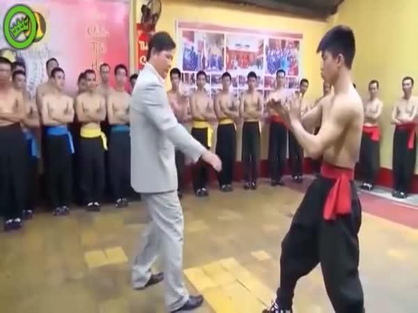 Příliš silný bojový mistr