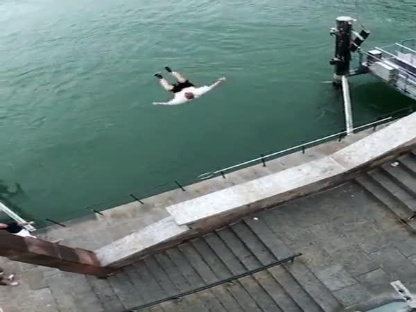 Šílený skok do Rýna
