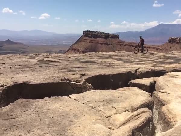 Pád na kole, který jste ještě neviděli