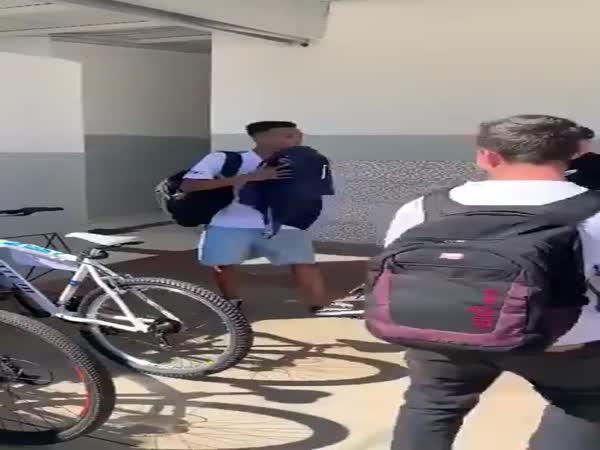 Nové kolo za to ukradené
