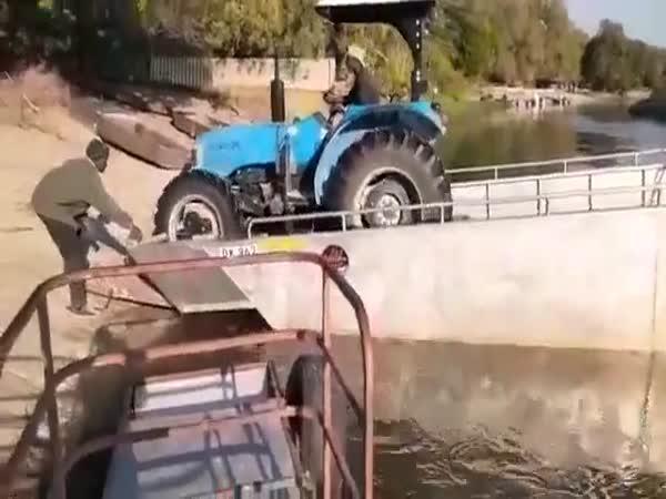A sakra, je ve vodě!