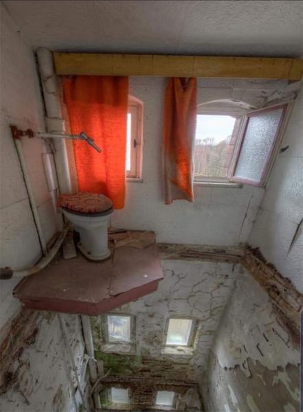 GALERIE – Šílené záchody, na které si nesednete