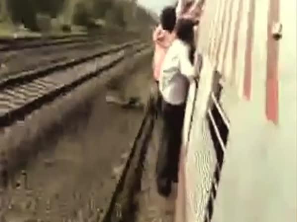 Cestování vlakem v Indii