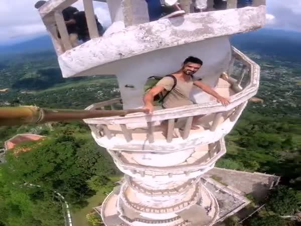 Výstup na vež Ambuluwawa (Srí Lanka)