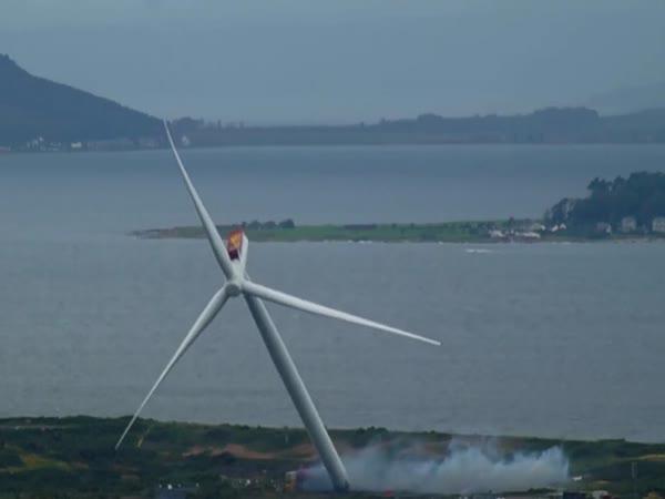 Demolice vysoké turbíny