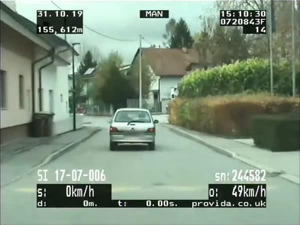 Slovák ujížděl policii