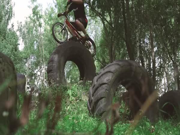Slovenský šikovný biketrialista