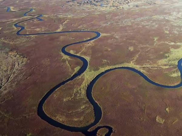 Proč řeky netečou rovně?