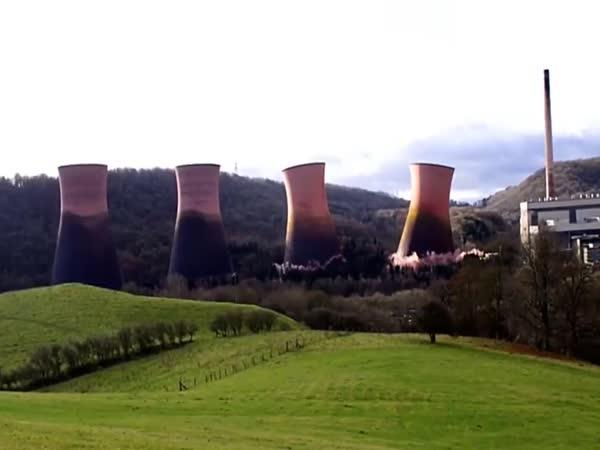 Demolice 4 věží elektrárny