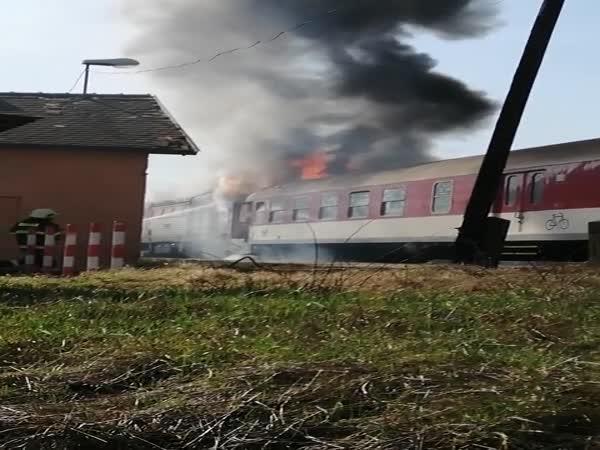 Slovensko – Hořící vlak