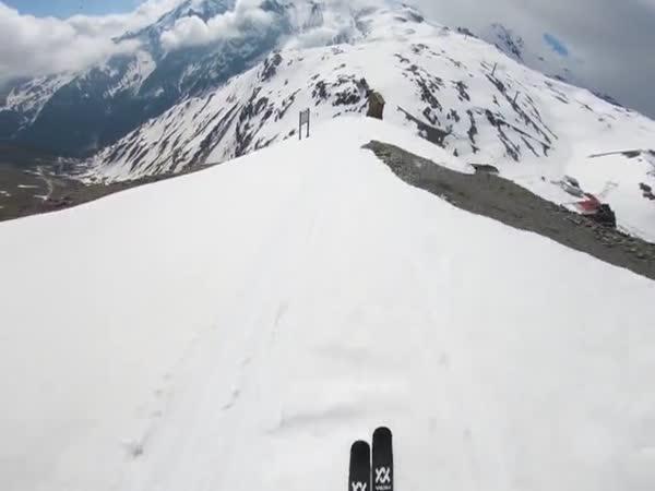 Běžný den adrenalinového lyžaře
