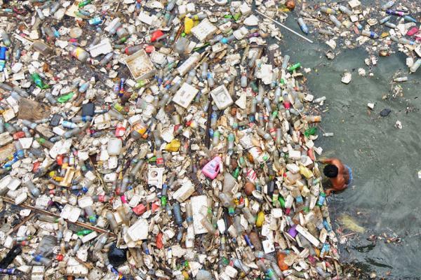 GALERIE – Planeta zaplavená plasty