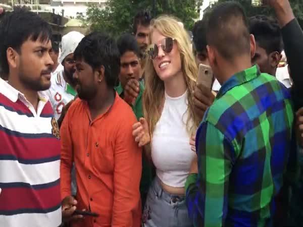 Běloška v Indii je trendy