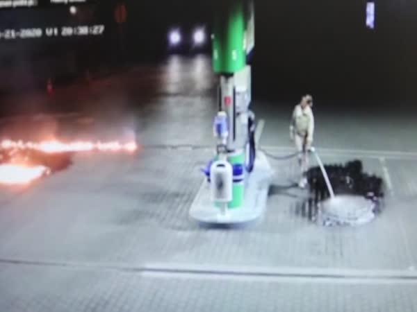 Slovensko: Podpálila benzínku